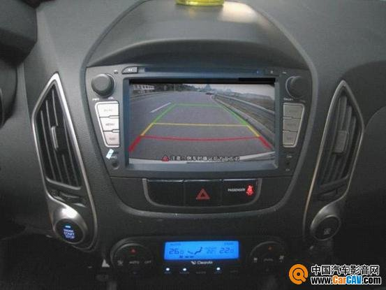现代ix35高配原车摄像头接线方法