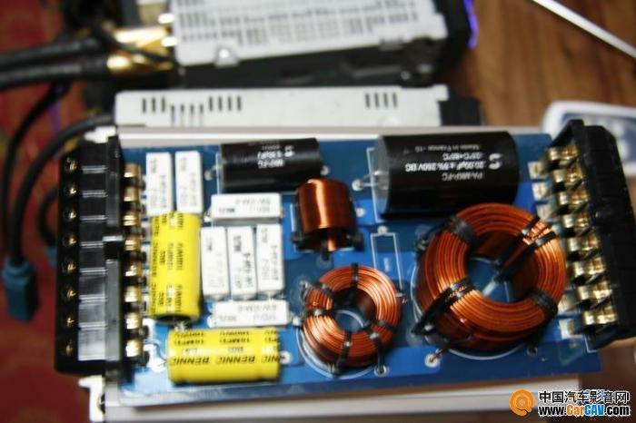 中山禾顺汽车音响--i-fi9.3三分频套装喇叭测评